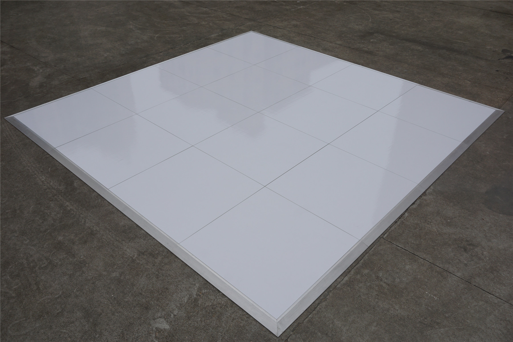 High gloss white dance floor --Interlock system ,no holes or joints on surface .